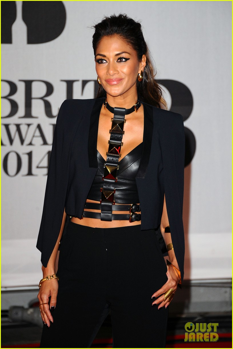 nicole scherzinger brit awards 2014 red carpet 03