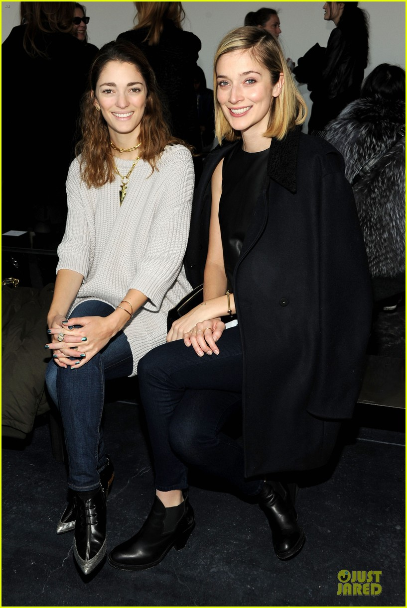 taylor schilling caitlin fitzgerald theory fashion show 06