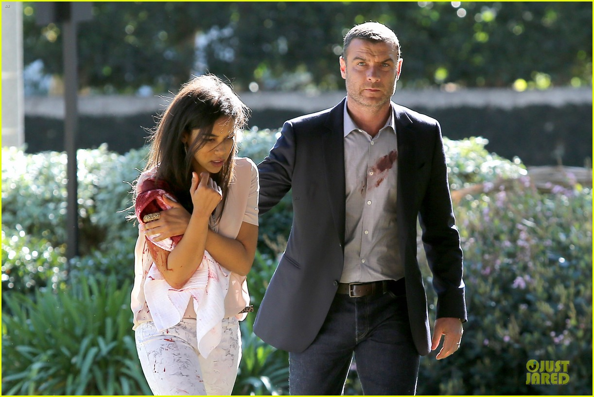 liev schreiber sports fake blood for ray donovan 023047183