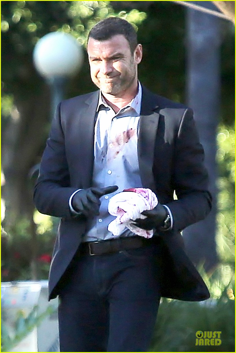 liev schreiber sports fake blood for ray donovan 23