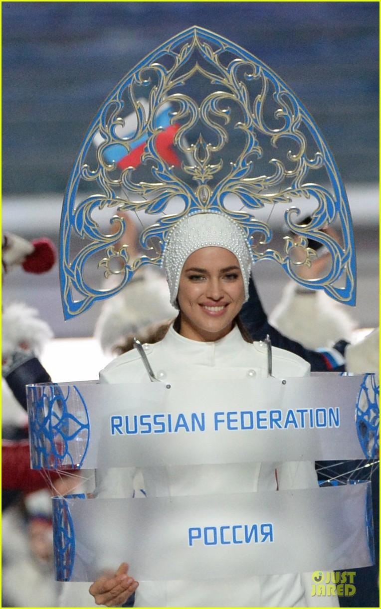 maria sharapova irina shayk sochi olympics 2014 opening ceremony 063049558