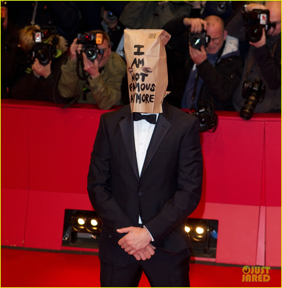 shia labeouf wears paper bag over his head for nymphomaniac berlin premiere 09