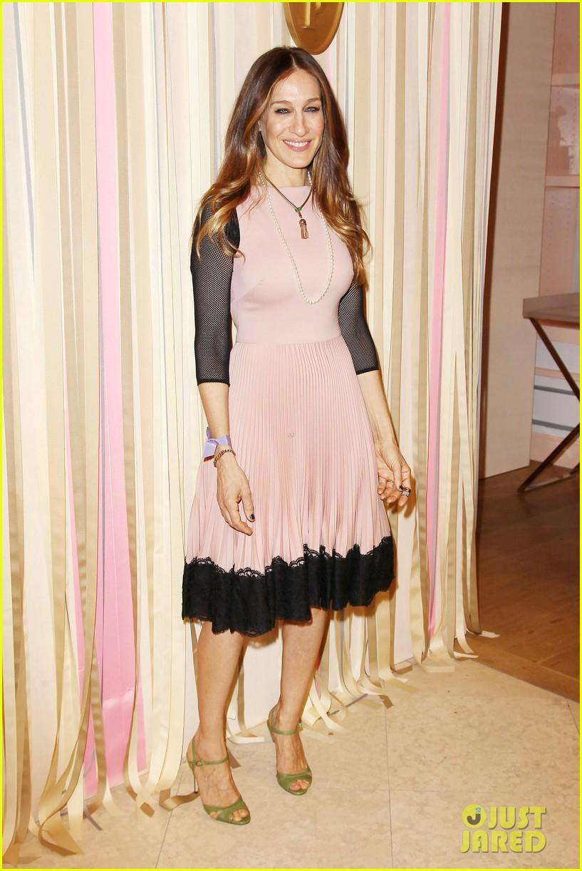 sarah jessica parker shoe collection pop up shop appearance 113060950