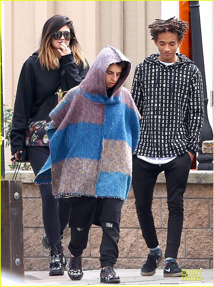 jaden smith kylie jenner express love for each other on twitter 01