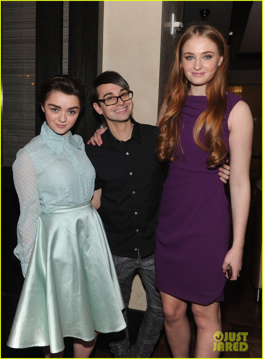 sophie turner maisie williams game of thrones girls front row christian siriano 06