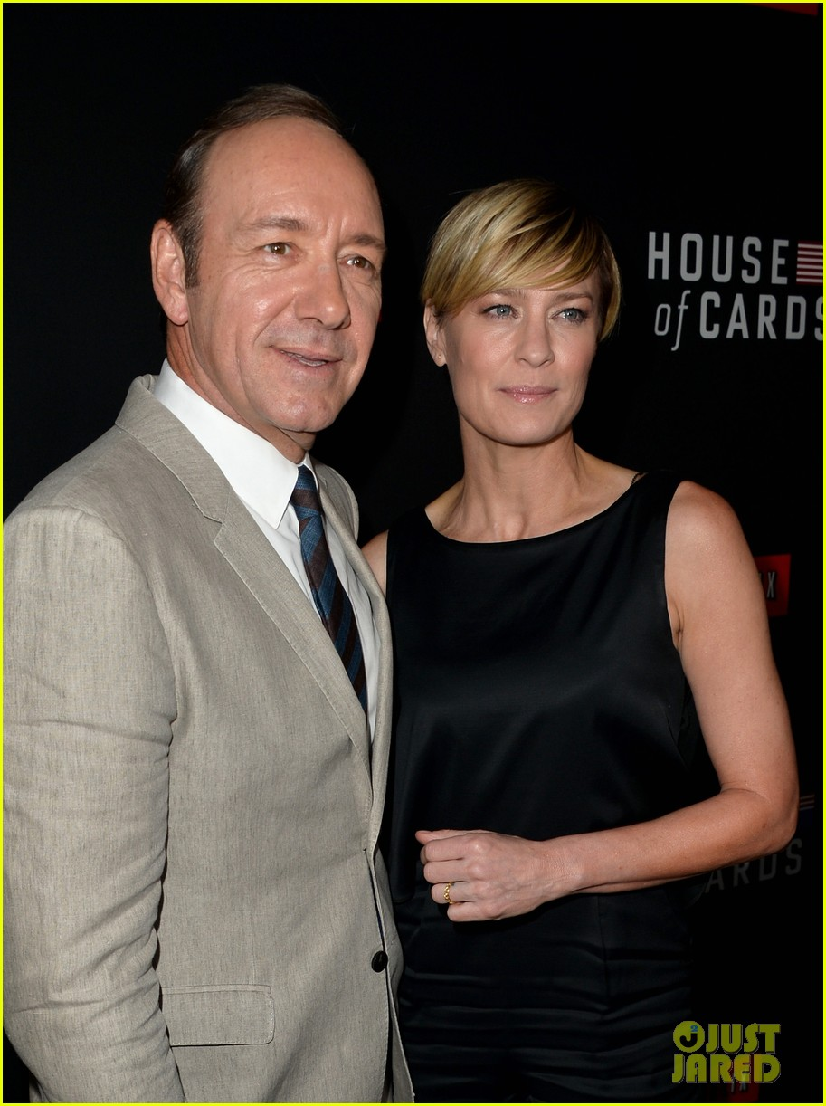 kevin spacey thinks you should binge watch house of cards 12