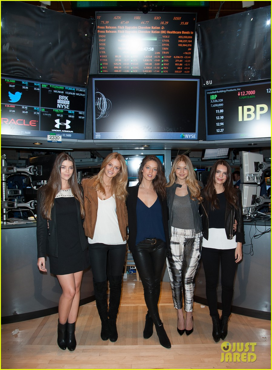 sports illustrated swimsuit models ring stock exchange bell 09