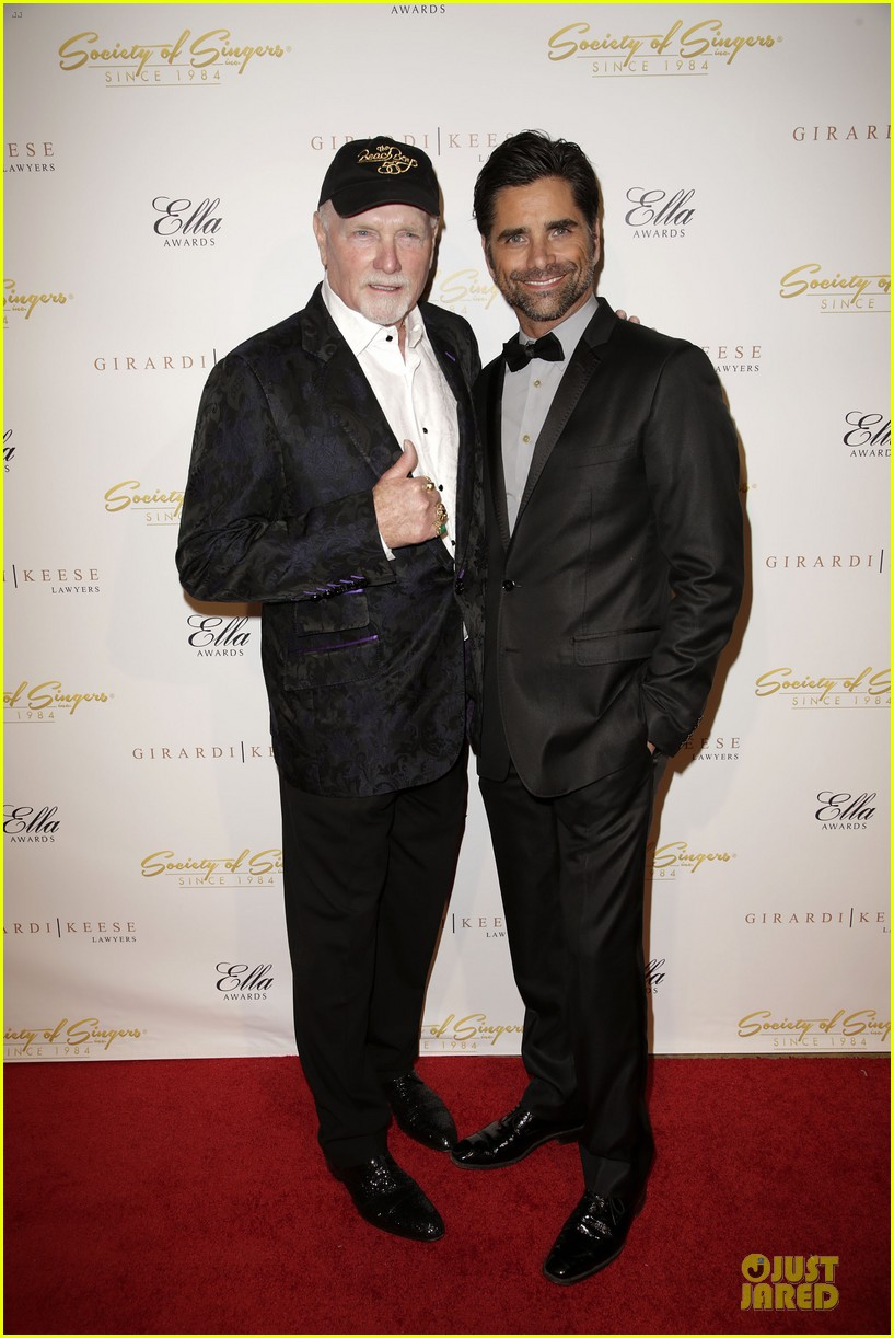 john stamos rita wilson ella awards honor beach boy singer mike love 013058553