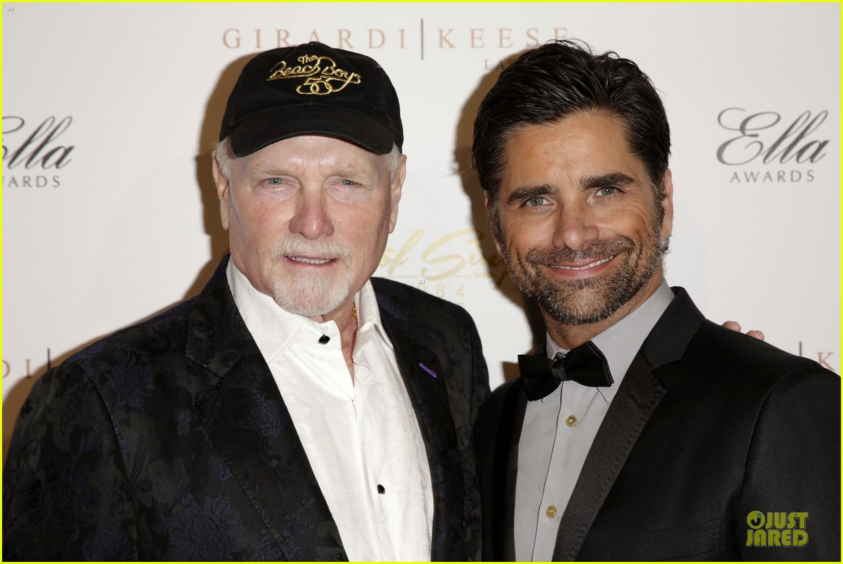 john stamos rita wilson ella awards honor beach boy singer mike love 093058561