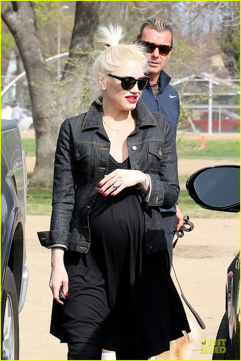 gwen stefani looks about ready to pop in brentwood 283055930