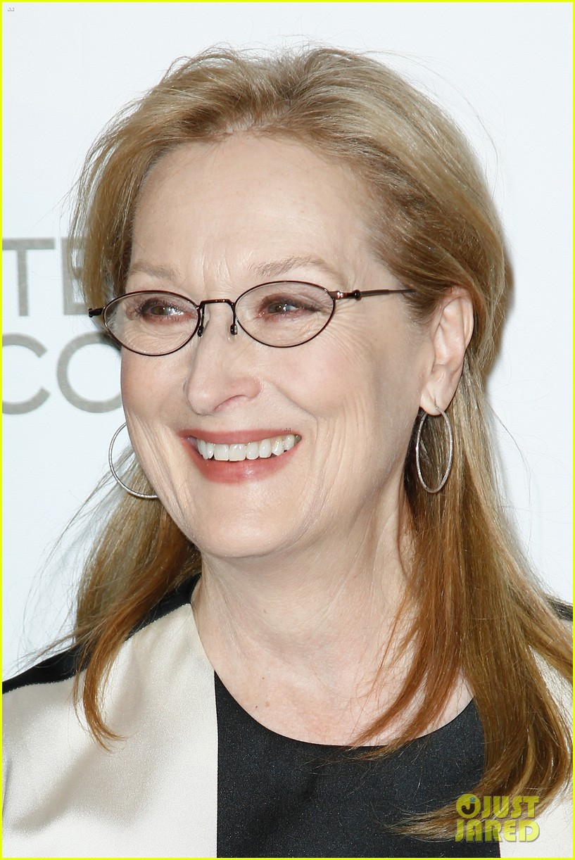 meryl streep rocks pocket dress at august paris premiere 023052988