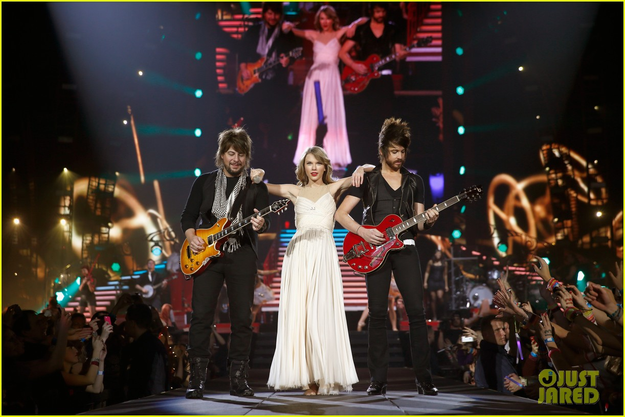 taylor swift ed sheeran i see fire duet in berlin 03