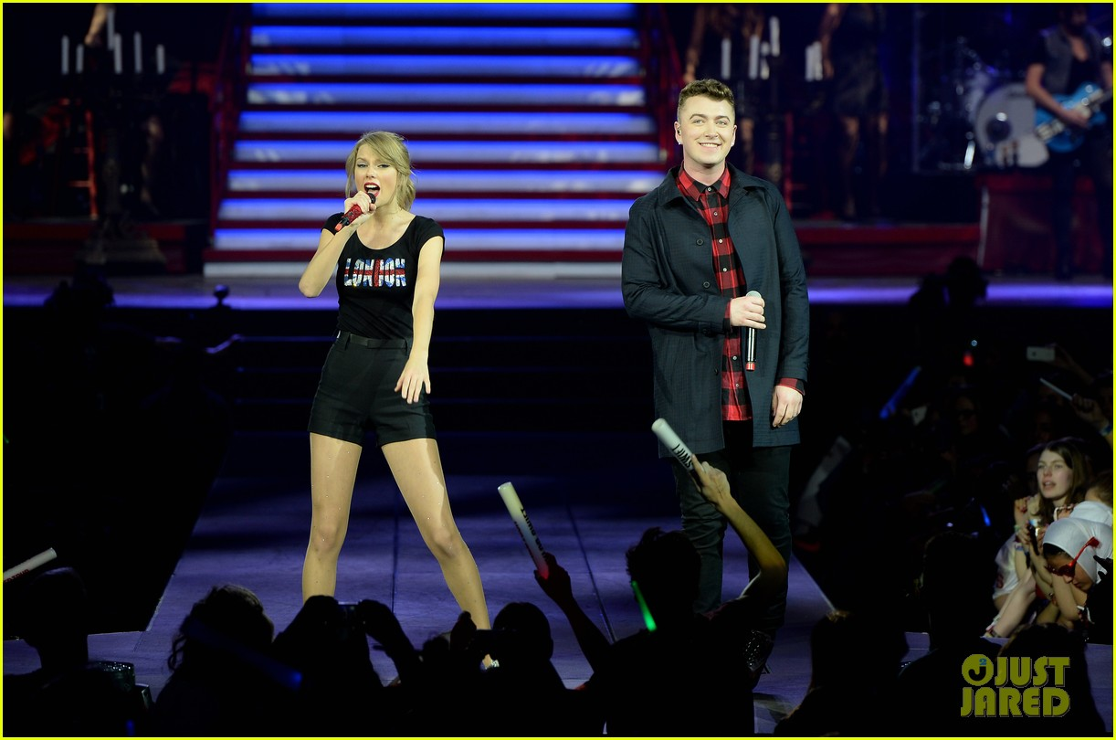 taylor swift sam smith sing money on my mind in london 043046745