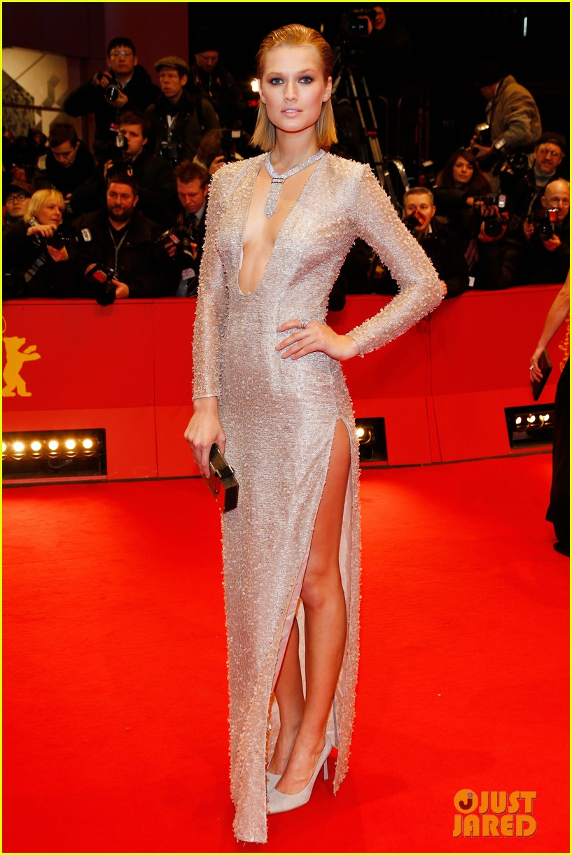 tilda swinton saoirse ronan grand budapest hotel premiere at berlinale 01