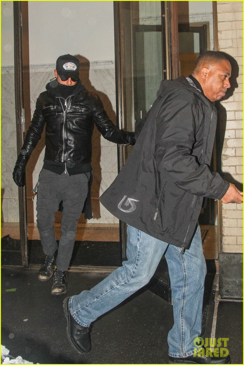 justin theroux visits philip seymour hoffmans partner for third time in three days 073048164