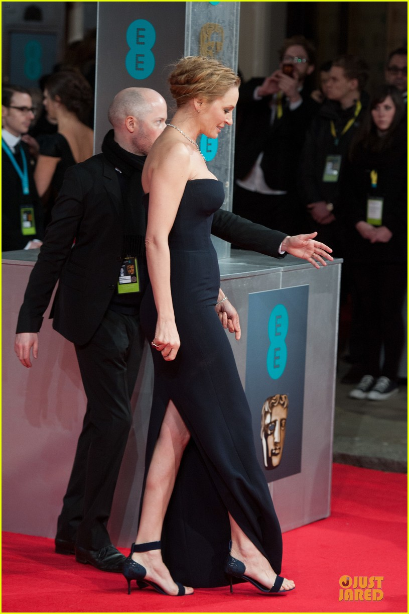 uma thurman baftas 2014 red carpet 08