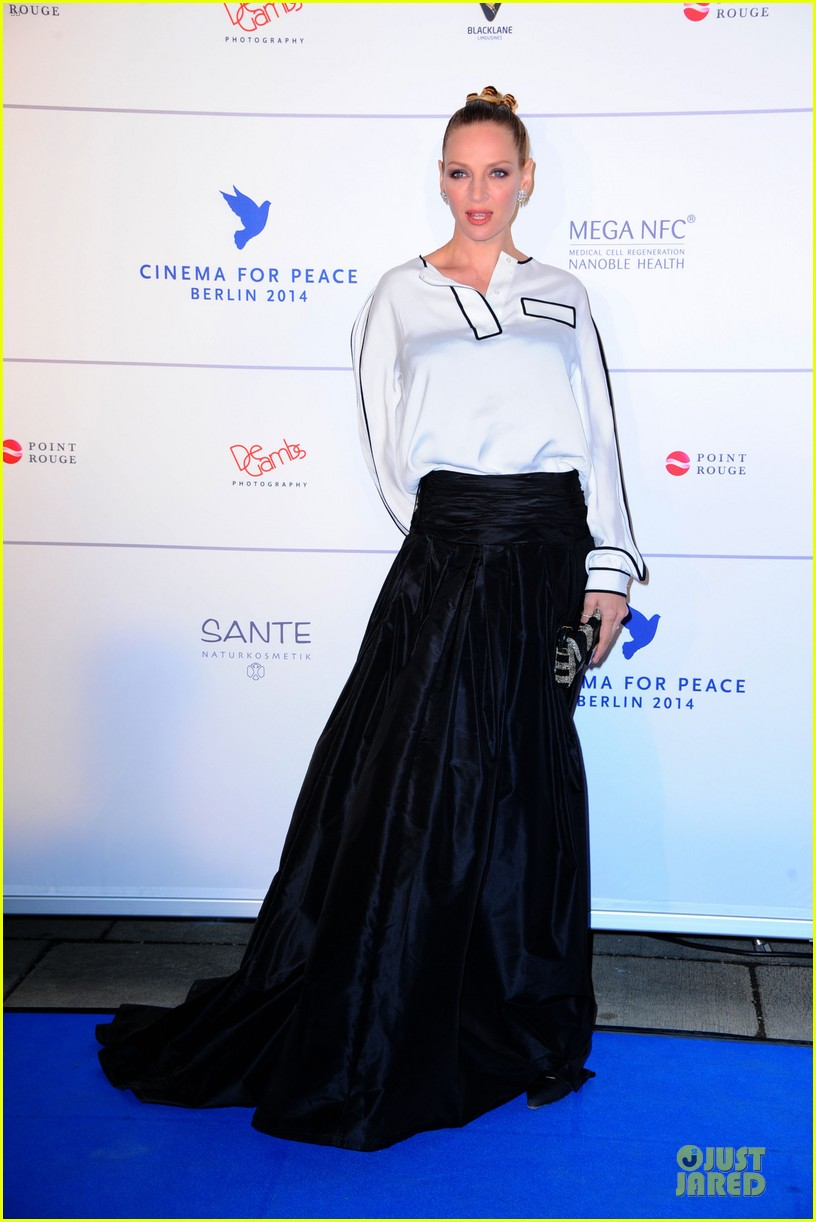 uma thurman difference maker at cinema for peace gala 073050903