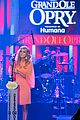 carrie underwood receives artist humanitarian award at crs 07