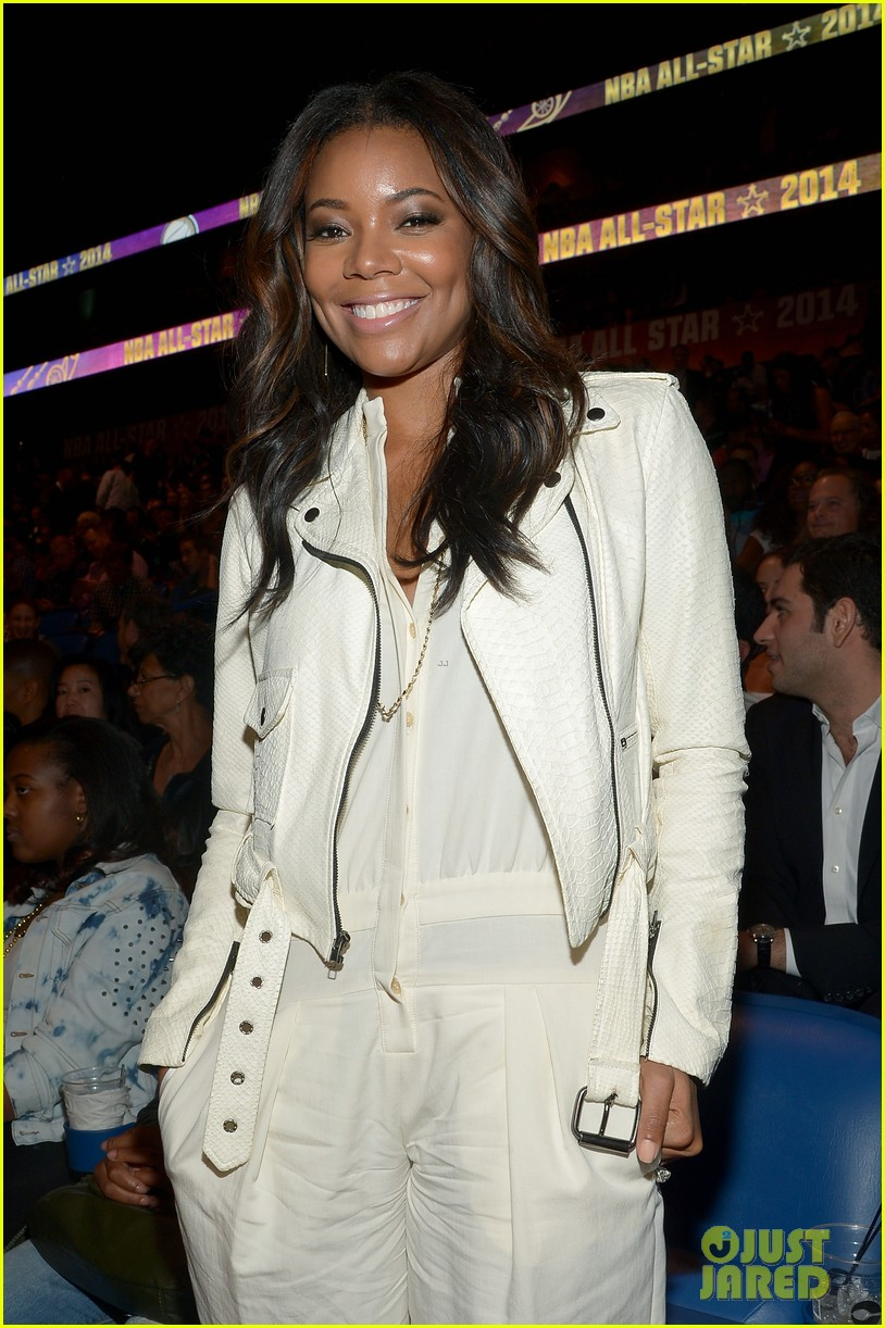 gabrielle union cheers dwyane wade on at nba all star game 103054875
