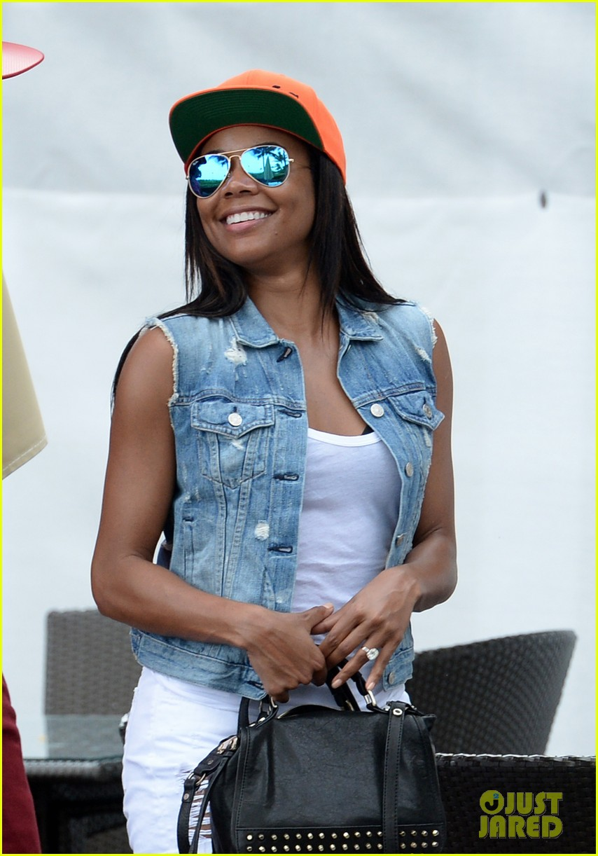 gabrielle union dwyane wade cruise around with the top down in miami 053061642