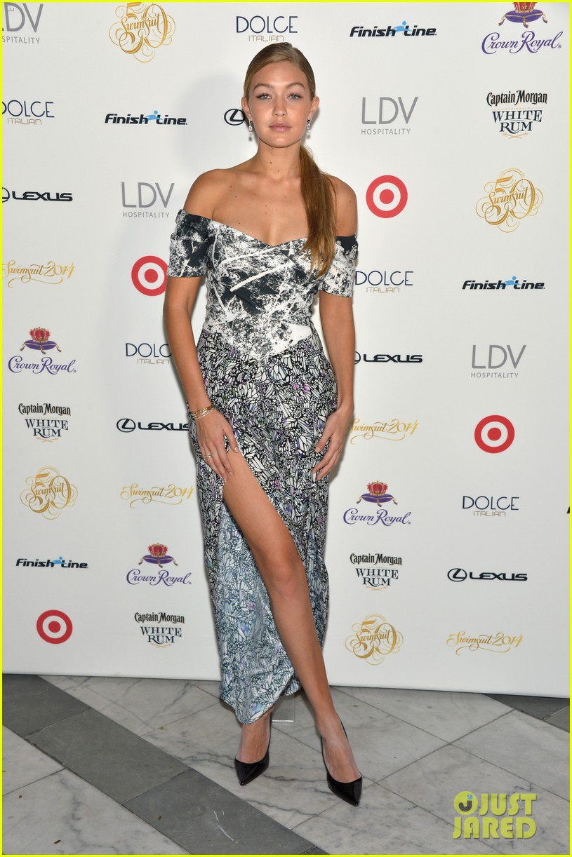 kate upton irina shayk sports illustrated south beach soiree 13
