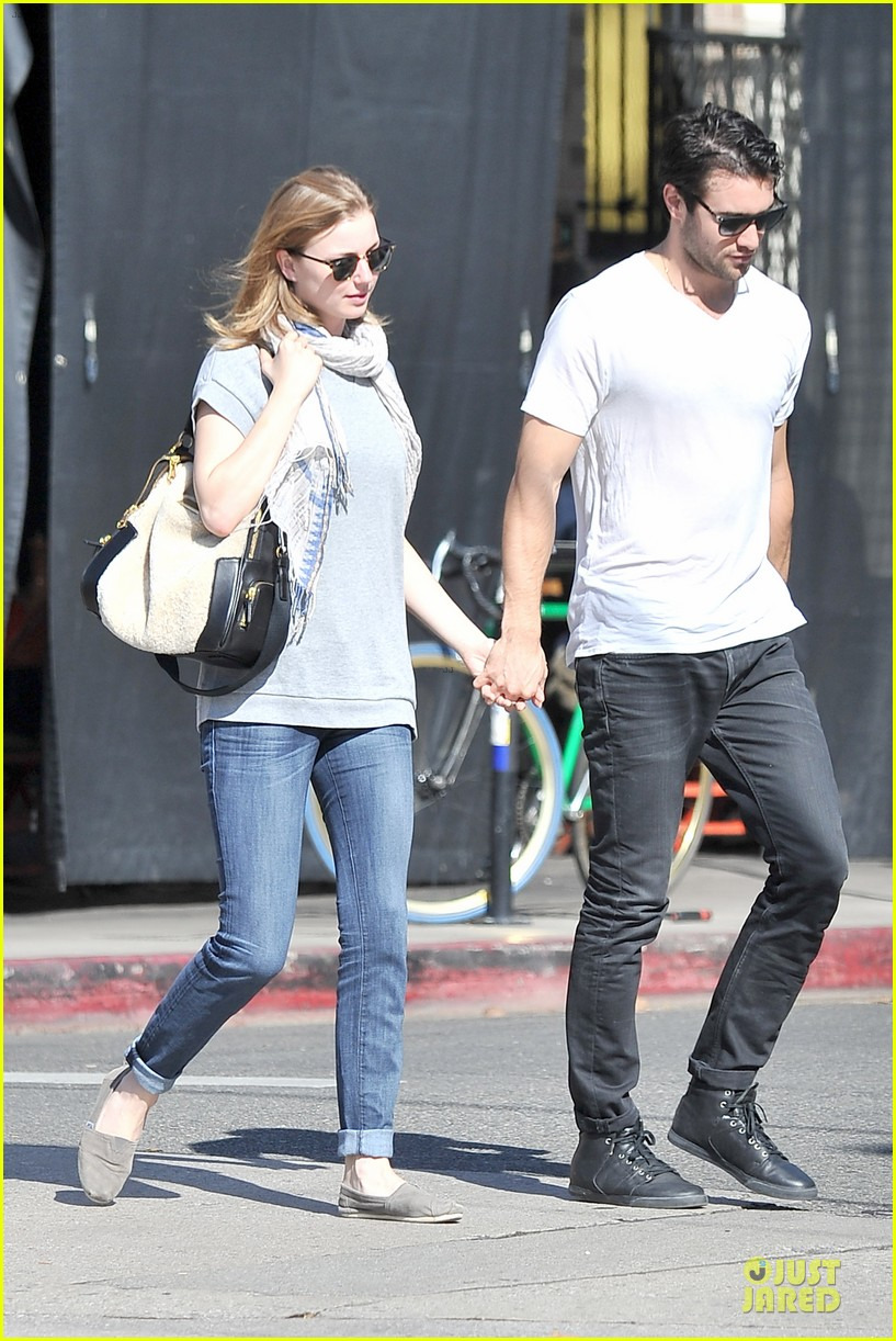 emily vancamp josh bowman hold hands before valentines day 153051541