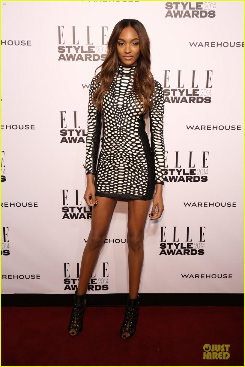 suki waterhouse cara delevingne stunning models at elle style awards 19