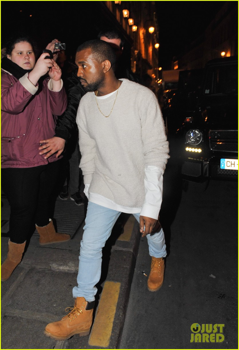 kanye west roams around paris while kendall jenner flies in 143061465