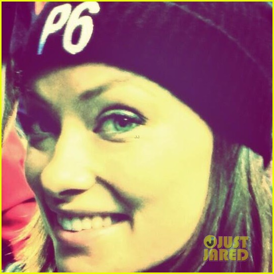 olivia wilde rocks p6 hat to protest russia anti gay law 05
