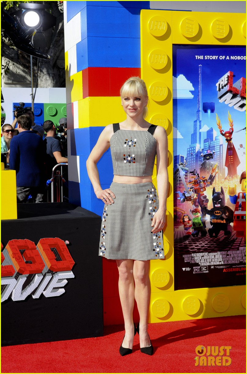 elizabeth banks will ferrell the lego movie premiere 143045739