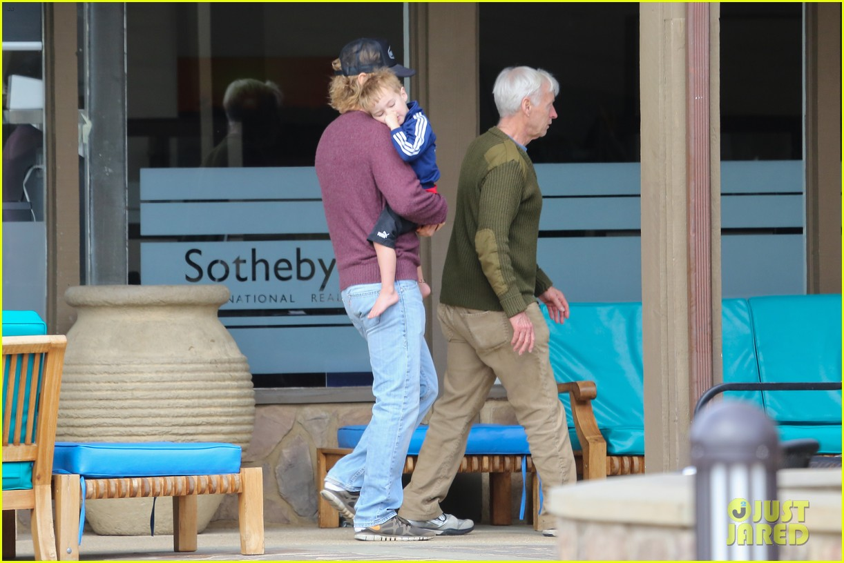 owen wilson is a doting dad after birth of his new son 043046875
