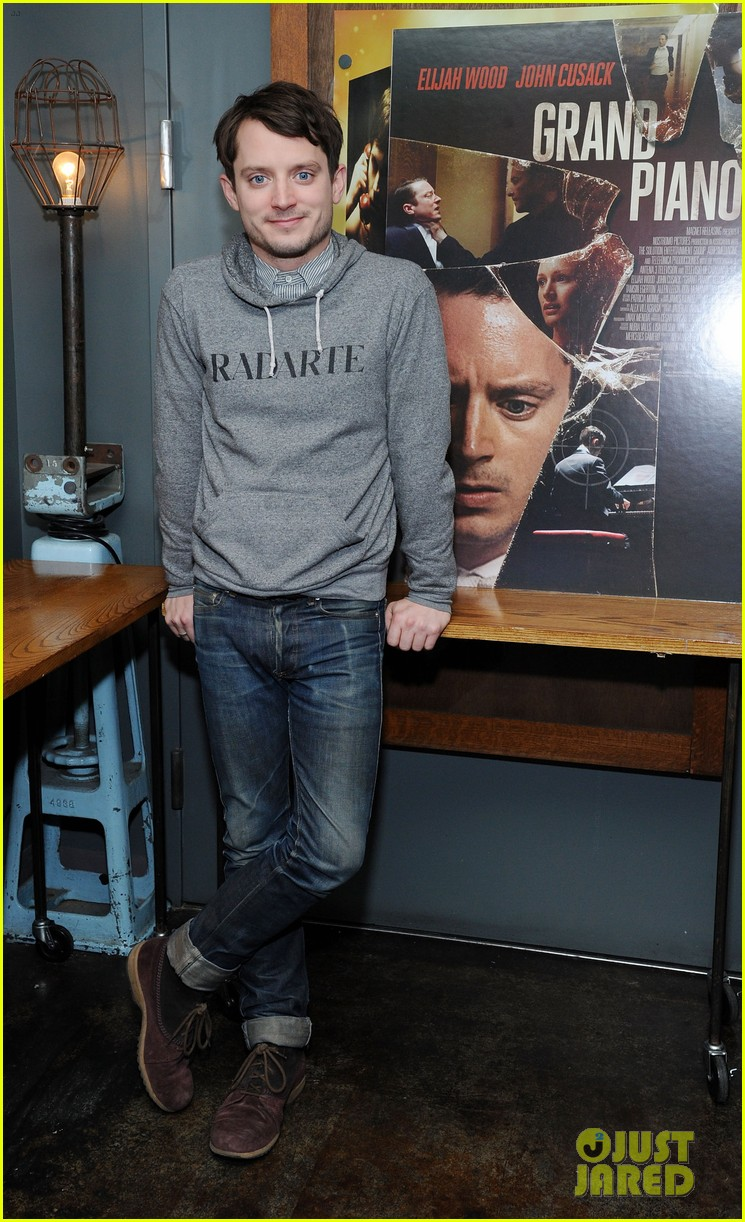 elijah wood grand piano screening with director eugenio mira 073061503