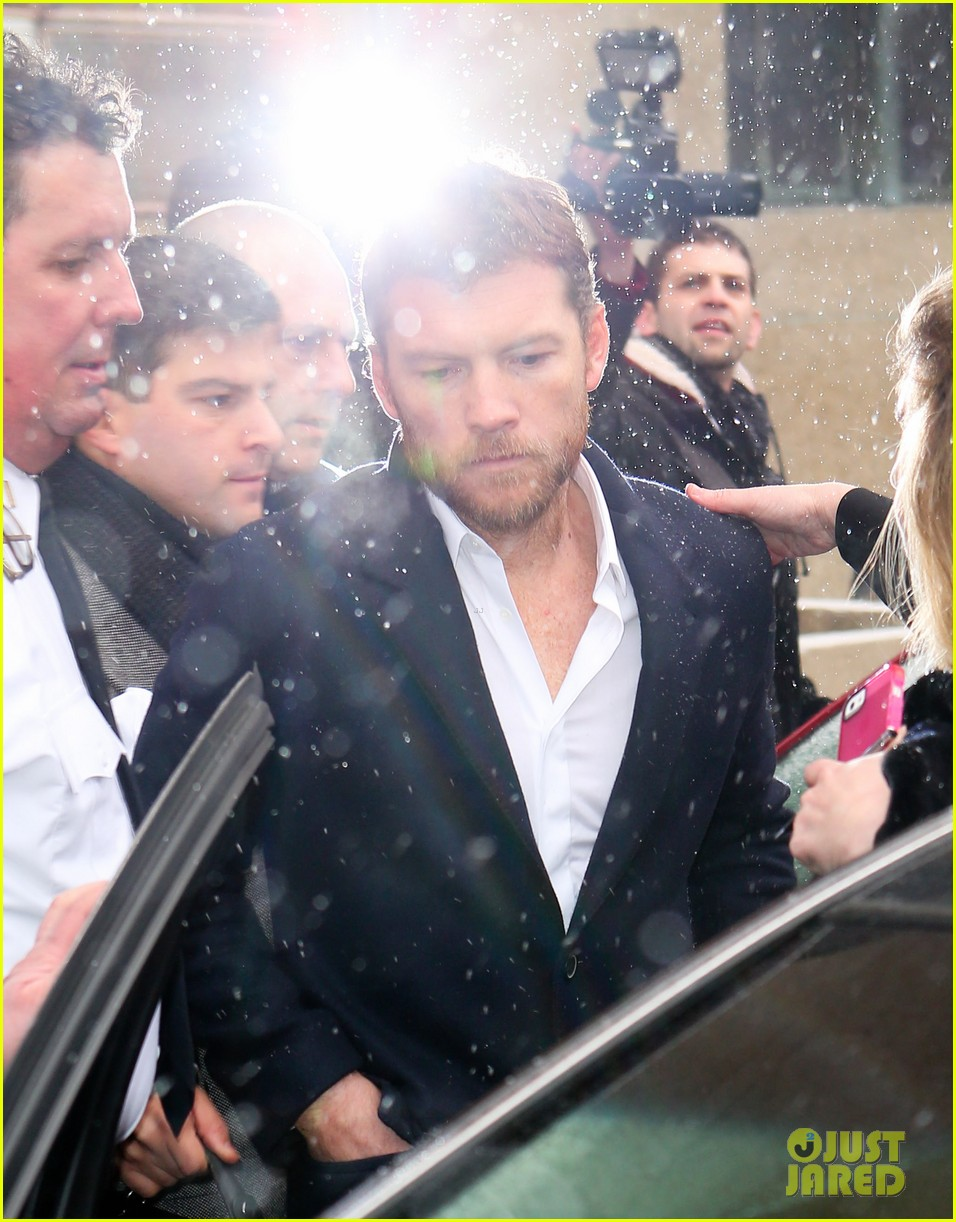 sam worthington leaves court after arrest fuels wedding rumors to lara bingle 083060926