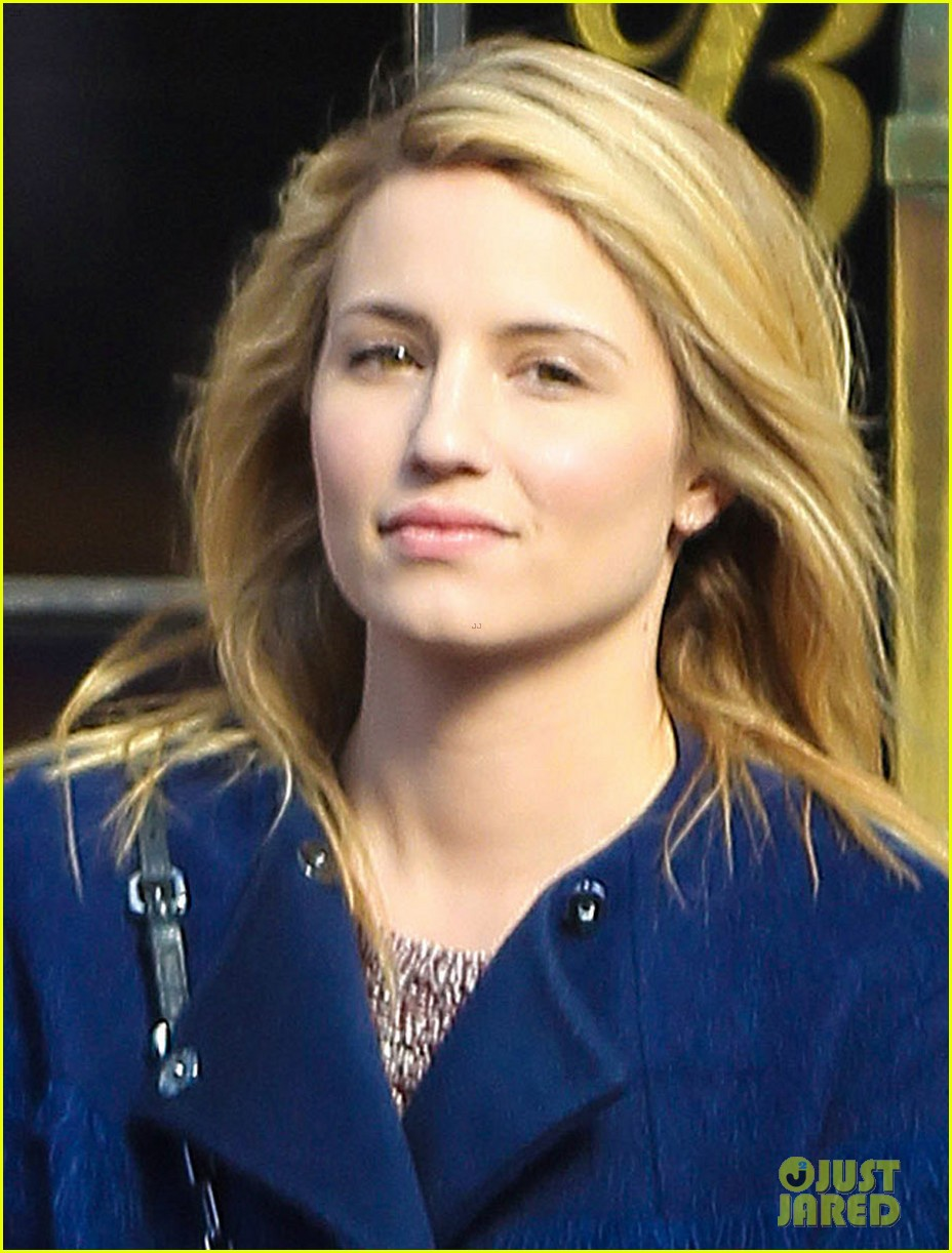 dianna agron roams new york city while glee films 033071461