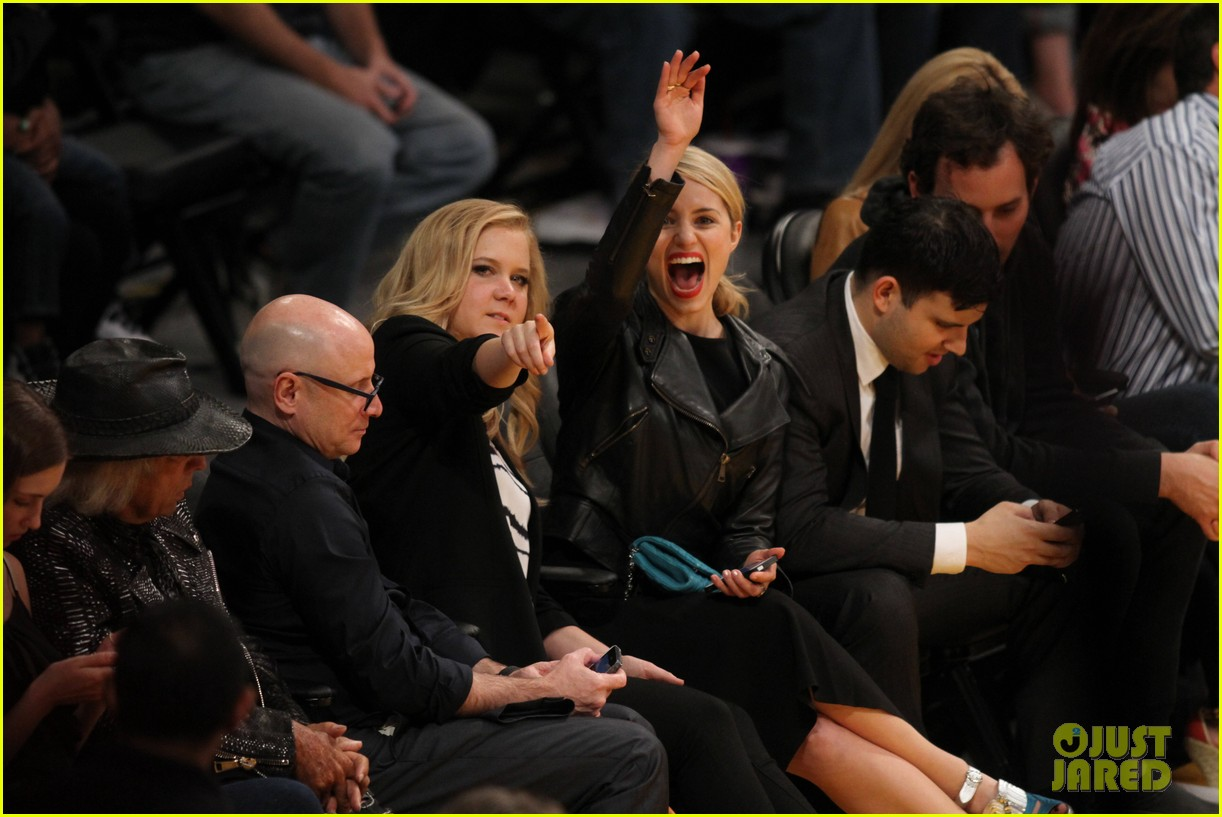 dianna agron amy schumer lakers game 01