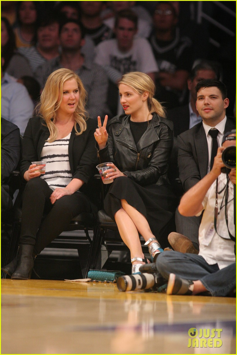 dianna agron amy schumer lakers game 033075205