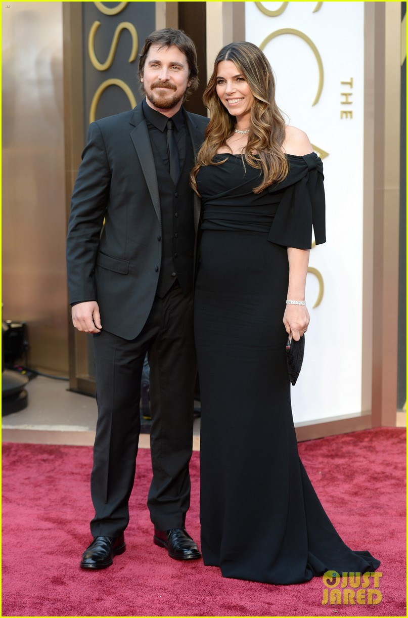 christian bale wife sibi blazic oscars 2014 red carpet 05