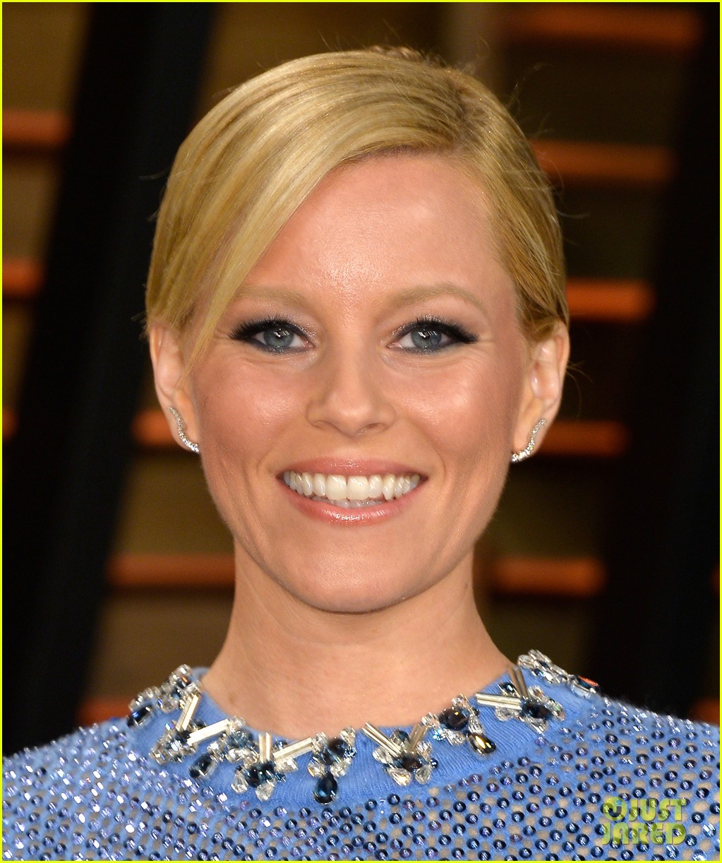 elizabeth banks shows off some skin in crop top at vanity fair oscars party 2014 033064406