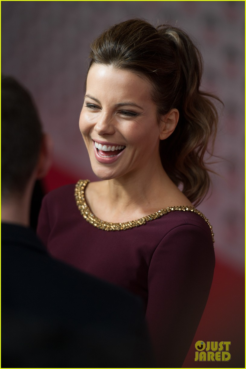 kate beckinsales cutout dress jameson empire awards 2014 023081803