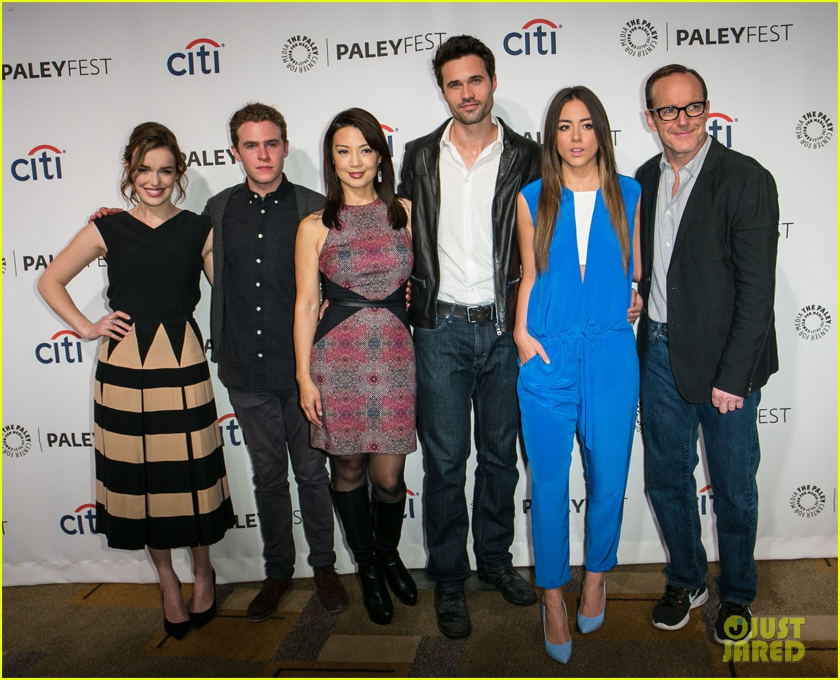 chloe bennet clark gregg promote agents of s h i e l d at paleyfest 01