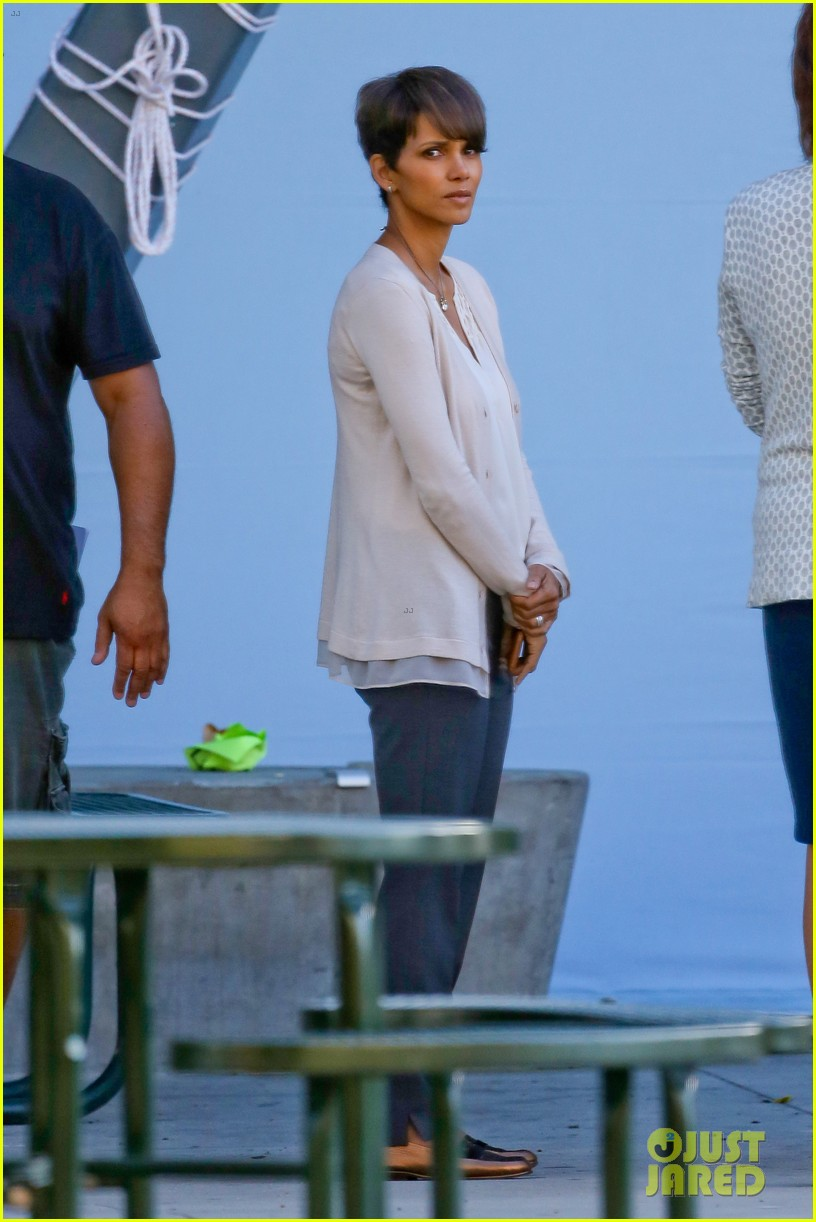 halle berry gets to work on extant 21