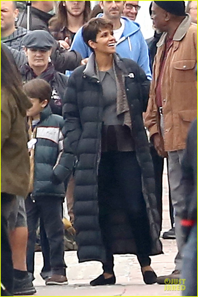 halle berry goran visnjic pda for extant 163078538