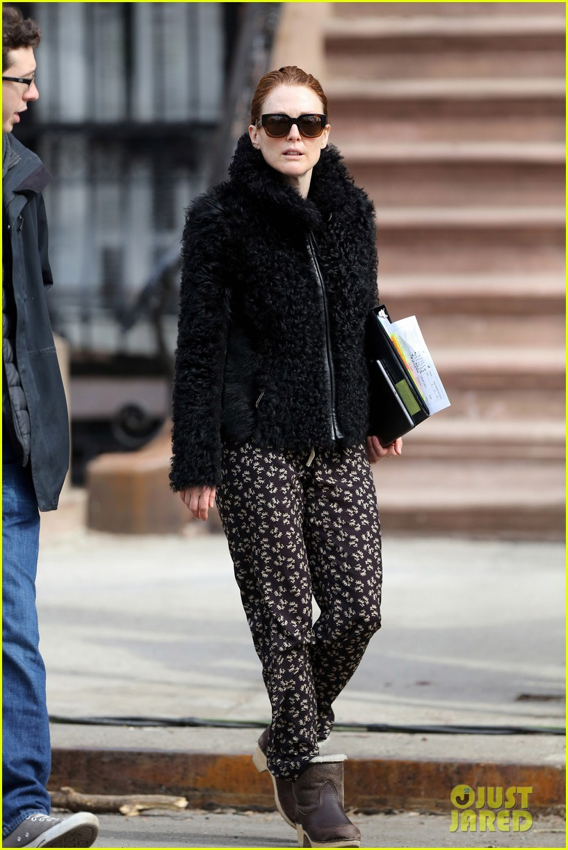 kate bosworth julianne moore dont let the freezing weather stop them on still alice set 11