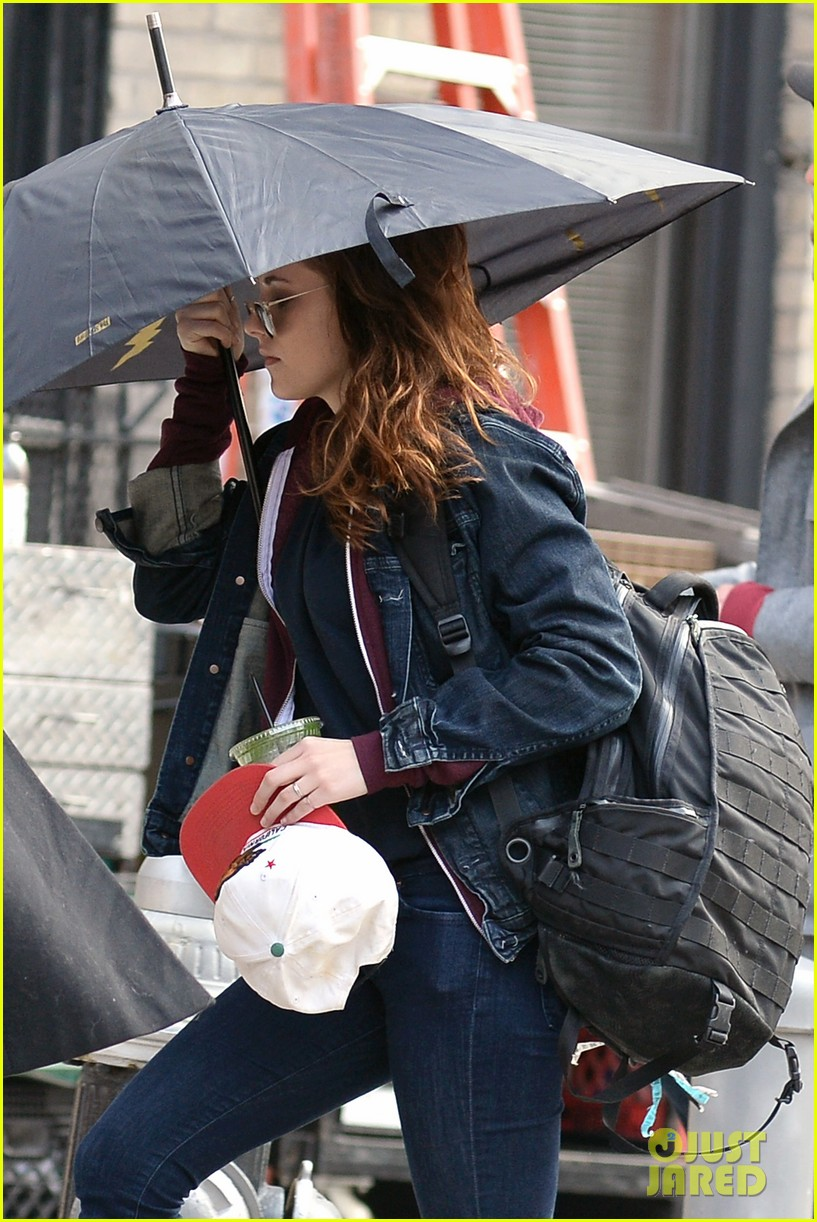 kristen stewart joins red head kate bosworth for another day of still alice 05