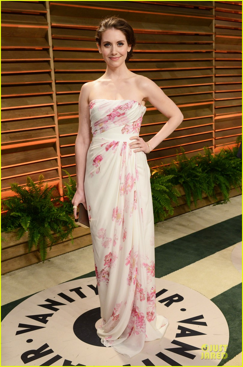 alison brie vanity fair oscars party 2014 013065549