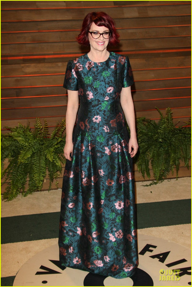 alison brie vanity fair oscars party 2014 153065563