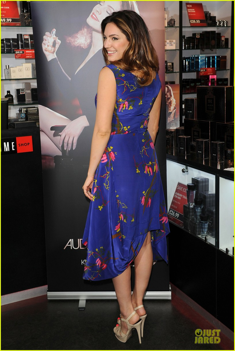 kelly brook audition perfume launch 05