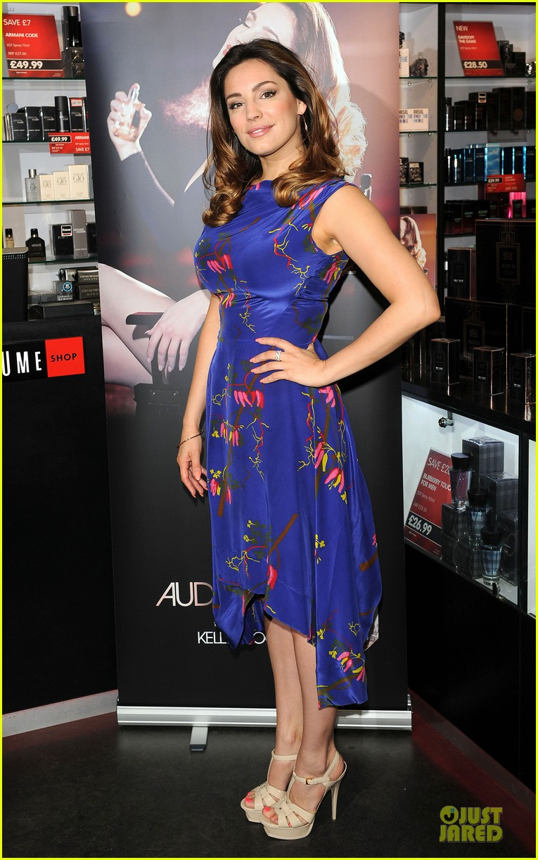 kelly brook audition perfume launch 06