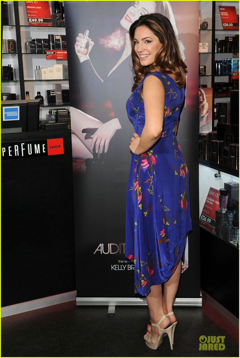kelly brook audition perfume launch 14