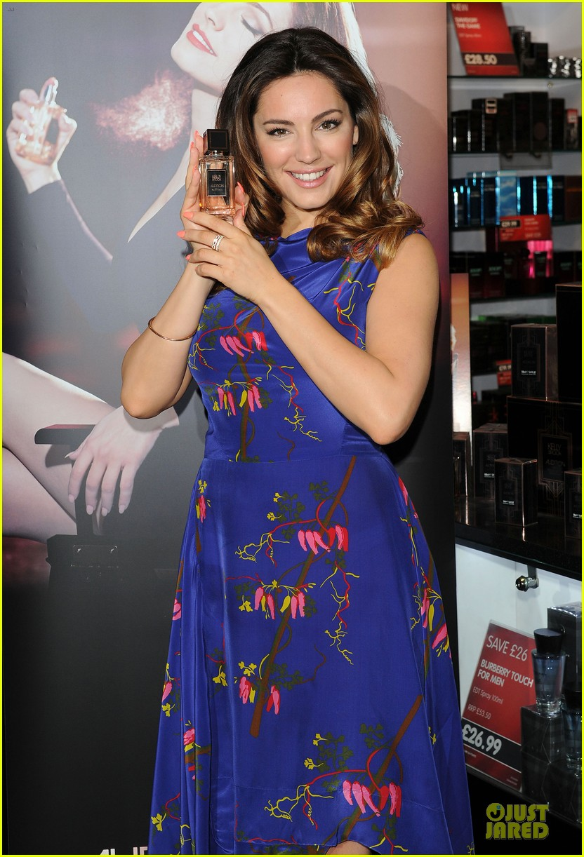 kelly brook audition perfume launch 16
